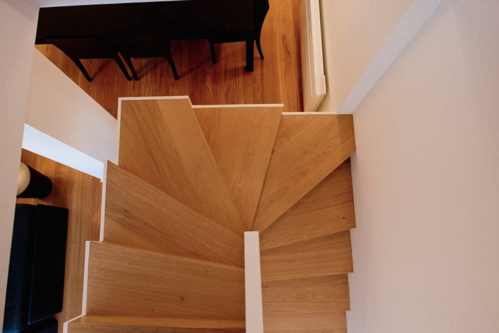 escaliers darrieumerlou charpente couverture. Black Bedroom Furniture Sets. Home Design Ideas