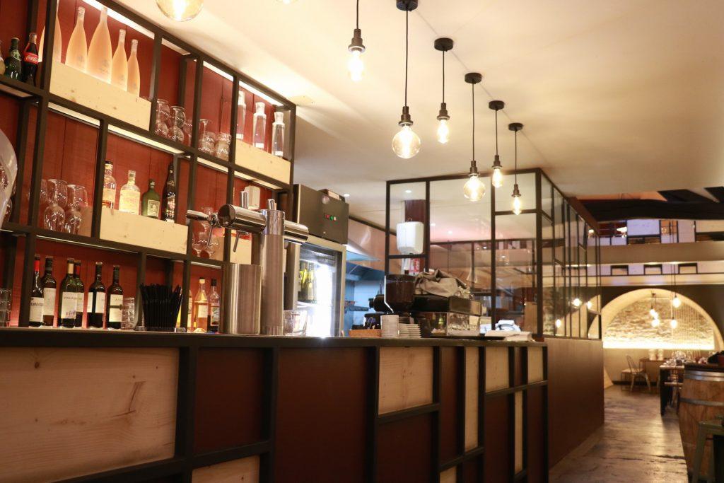 agencements int rieurs du restaurant belloteka biarritz 64 darrieumerlou charpente. Black Bedroom Furniture Sets. Home Design Ideas