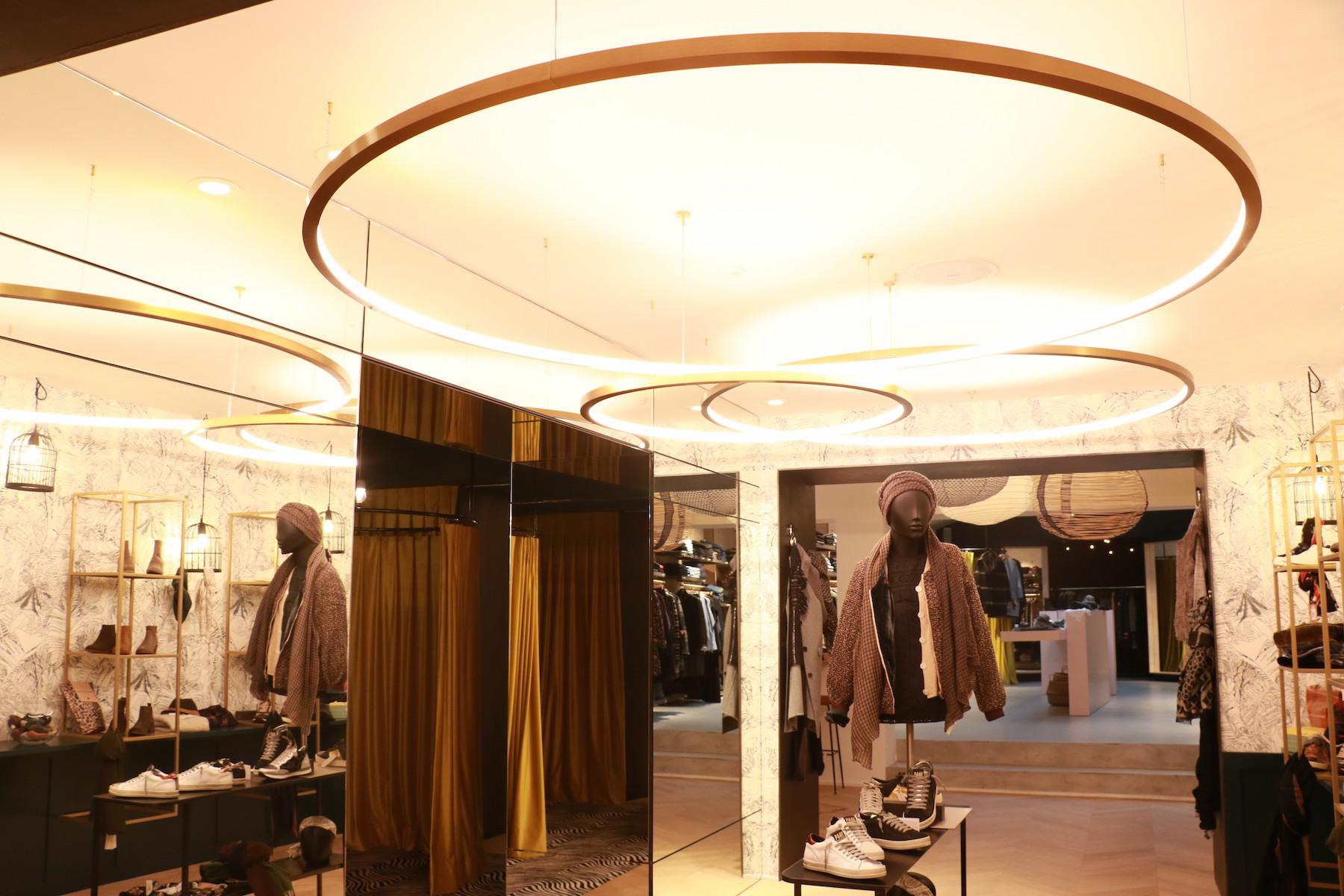 agencements int rieurs ext rieurs d 39 un magasin st jean de luz 64 darrieumerlou. Black Bedroom Furniture Sets. Home Design Ideas