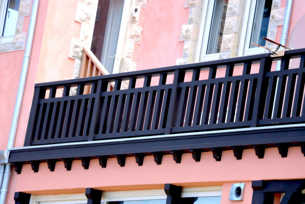 renovation-facades-menuisier-darrieumerlou-bayonne-anglet-biarritz-et-alentours-1